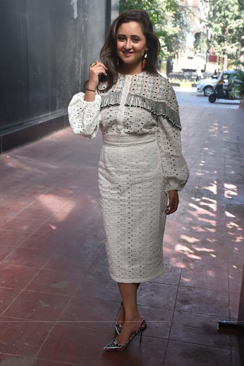 Rashami Desai looks picture perfect in white! - Xpress Vids